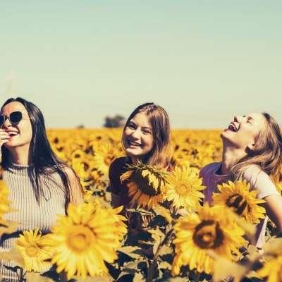 friendship love feminine